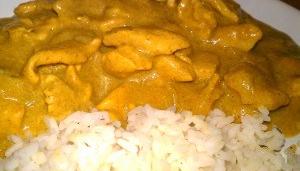 pollo-al-curry-con-arroz-blanco
