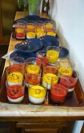yogurt griego con mango/frutas bosque